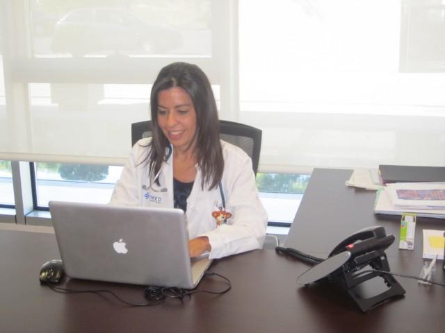 Dra. Emma Albiñana, Endocrinología Pediátrica